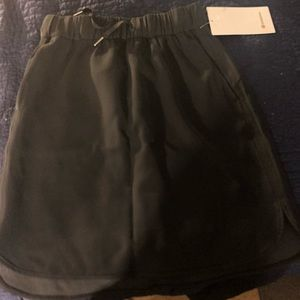 On the fly black skirt size 6